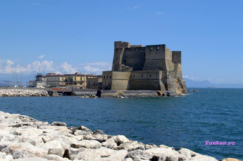 Castelul dell'Ovo
